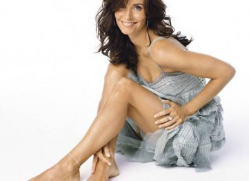 00courteney-cox-feet