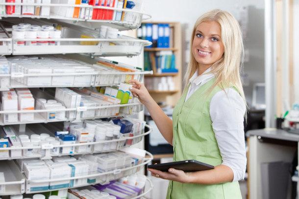 Imagini pentru farmacista