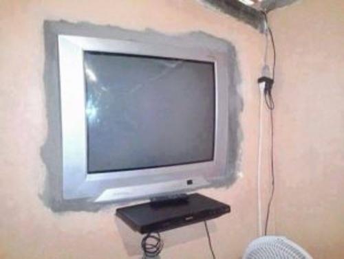 televizor cu ecran plat